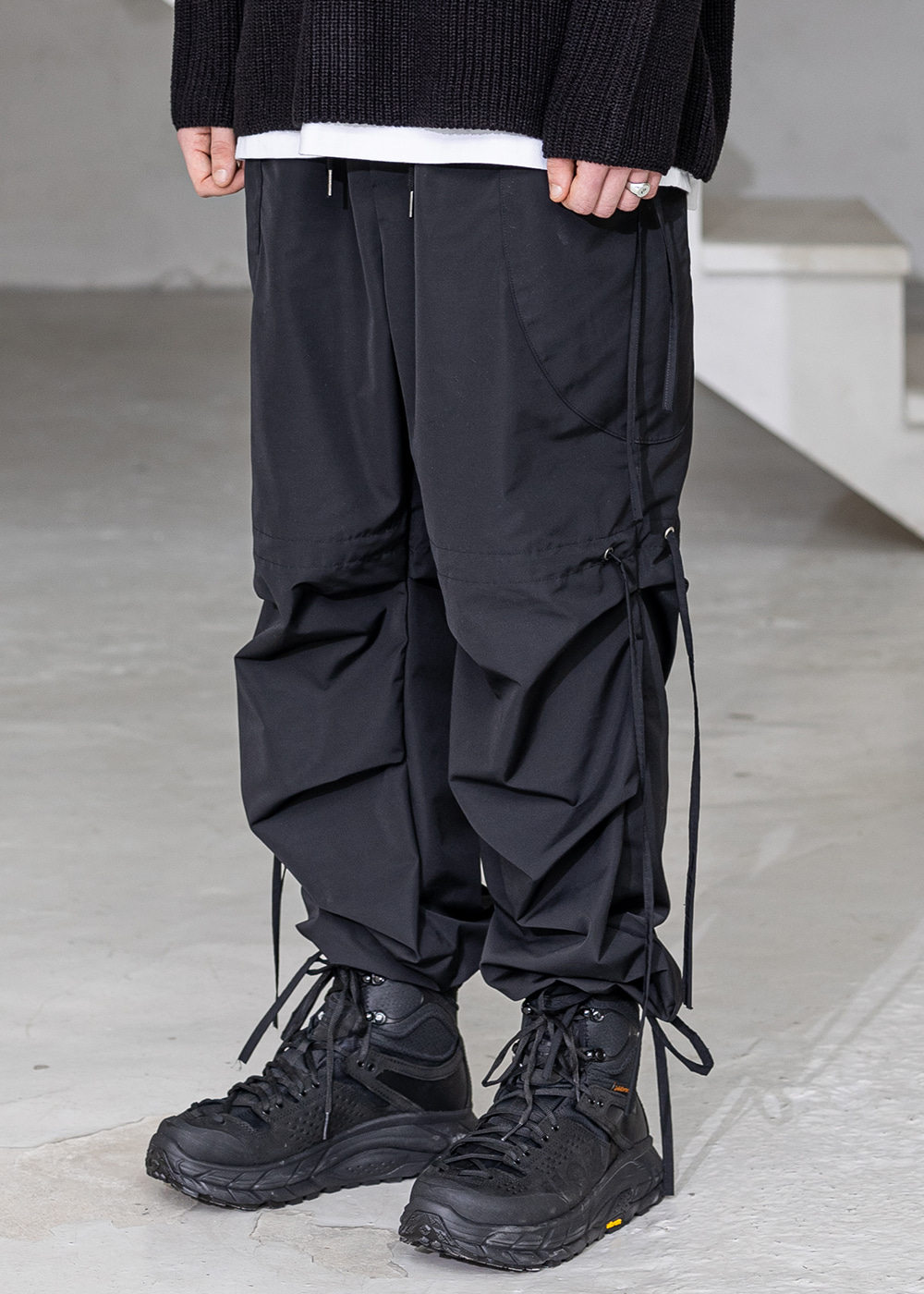 EIGHT WAY STRAP TRACK PANTS MSZTP003-BK